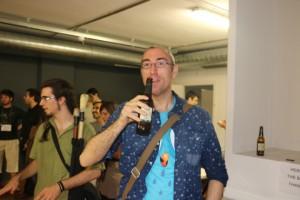 Josep Panadero ha confundido la cerveza con el micro (sí, sí, al igual :-) )